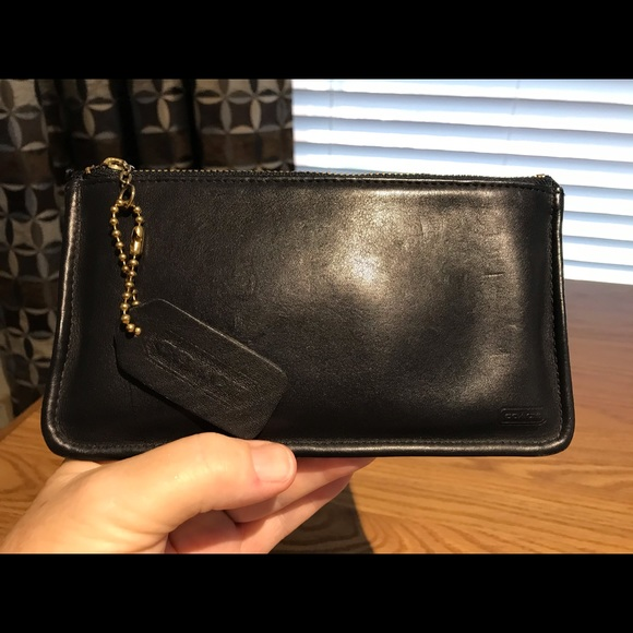 Coach Handbags - Coach Black Smooth Leather Clutch/case